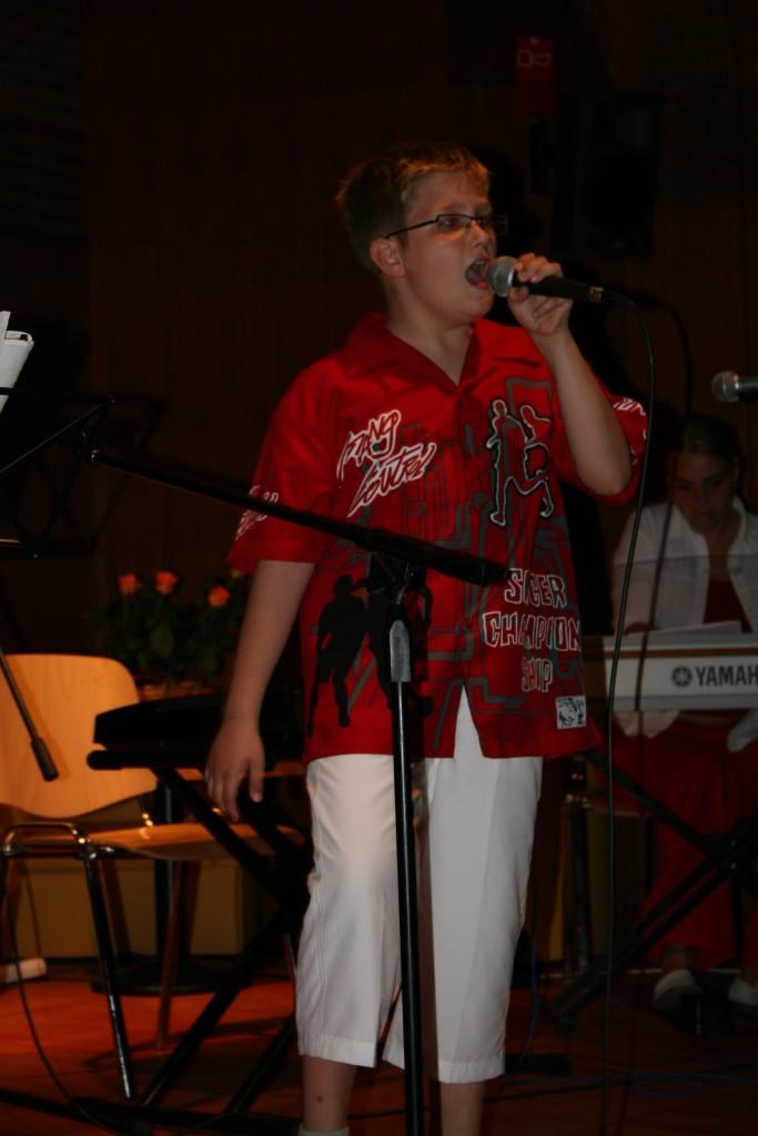 Eni izmed prvih nastopov učencev GŠ Lartko (11)