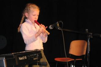 Eni izmed prvih nastopov učencev GŠ Lartko (3)