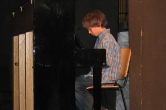 Eni izmed prvih nastopov učencev GŠ Lartko (6)