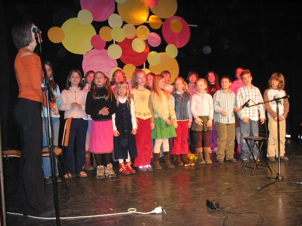 Eni izmed prvih nastopov učencev GŠ Lartko (9)