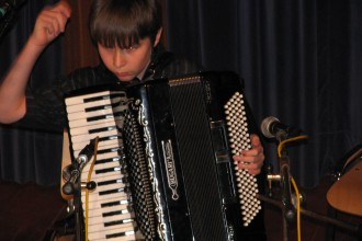 naš Simon je car...sedaj bo nadeljeval svojo pot na Konservatoriju za glasbo v Ljubljani.